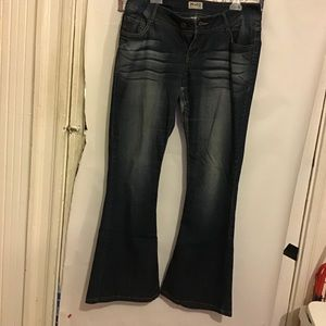 MUDD FLARE JEANS SIZE 13 PREOWNED